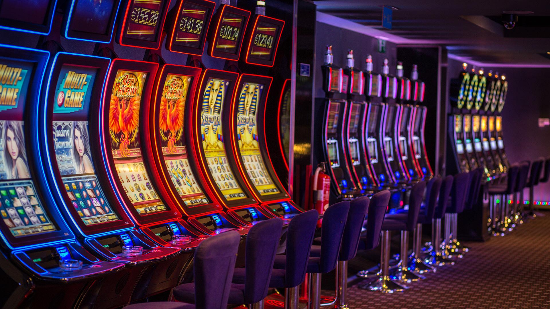 Игровые автоматы гладиатор играть онлайнi казино рояль бесплатно играть автоматы