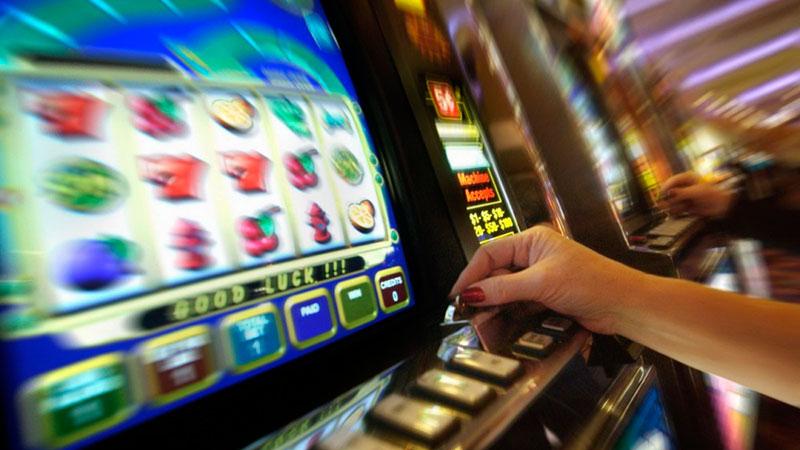 Играть в казино на багамах скорая играет в карты