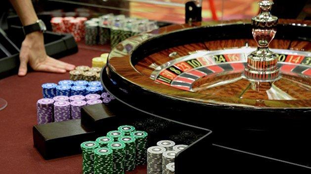 Заработок в казино с выводом денег play free casino games online